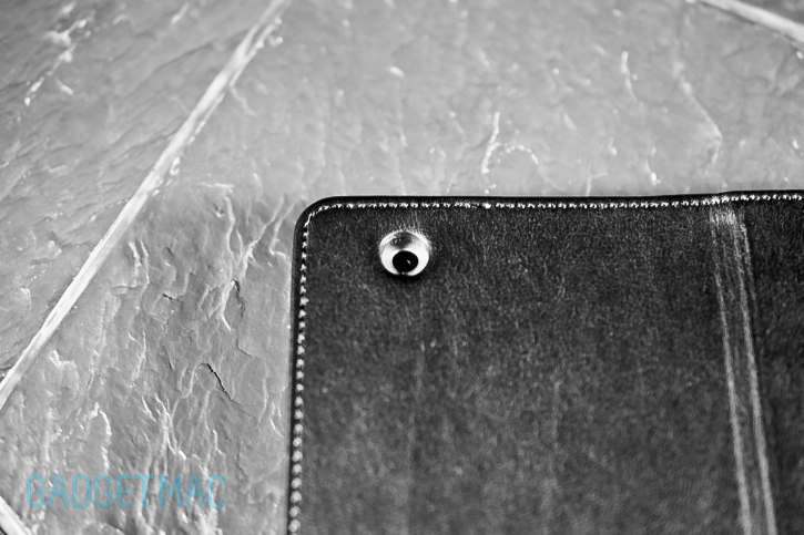 Spigen_SGP_Folio_s_leather_case_ipad_3_back.jpg
