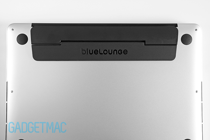 bluelounge_kickflip_stand_on_macbook_pro_bottom.jpg