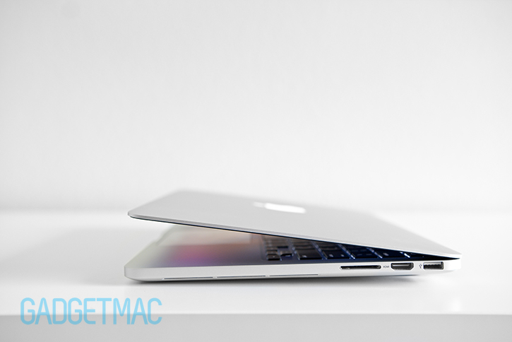 bluelounge_kickflip_for_retina_macbook_pro_fixed.jpg