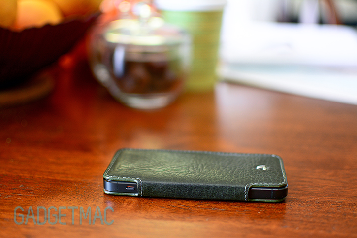 vaja_nuova_pelle_iphone_5_leather_flip_cover_3.jpg