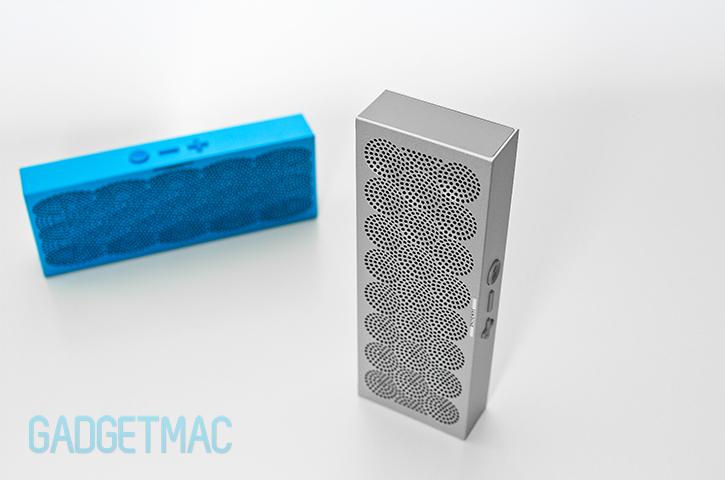 jawbone_mini_jambox_speaker_silver.jpg