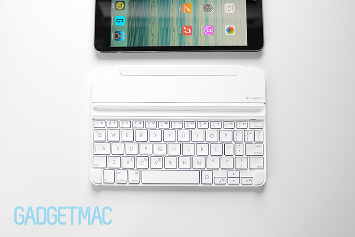 logitech_ultrathin_2_magnetic_clip_on_keyboard_cover_for_ipad_mini_white.jpg