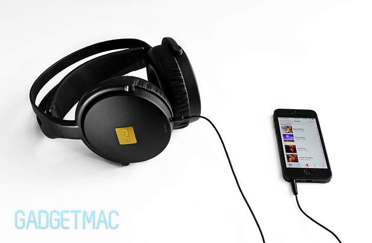 nuforce_hp_800_headphones_iphone_5.jpg