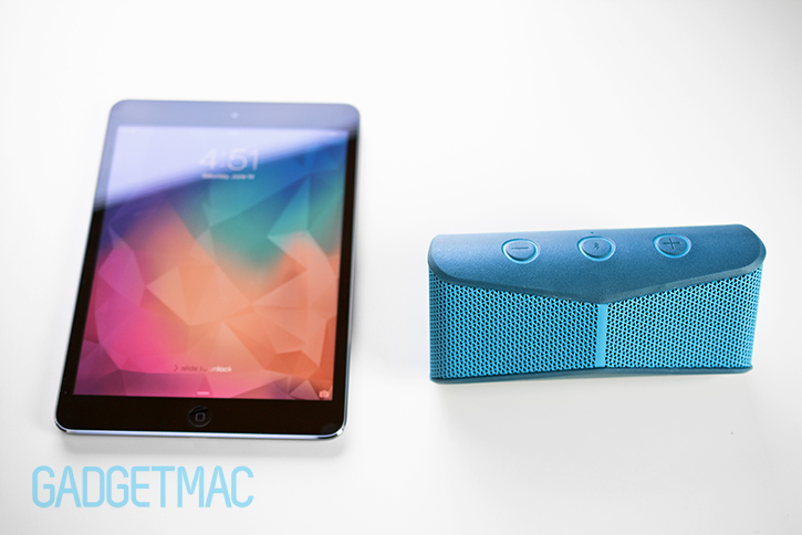 logitech_x300_bluetooth_mobile_portable_speaker_ipad_mini_retina.jpg
