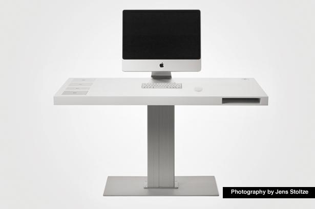 Every Mac User 39 S Dream Desk Gadgetmac