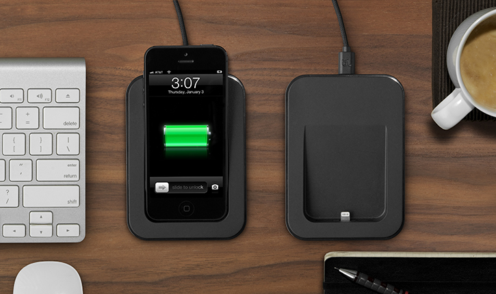 saidoka cradles your iphone 5 with lightning care gadgetmac. Black Bedroom Furniture Sets. Home Design Ideas