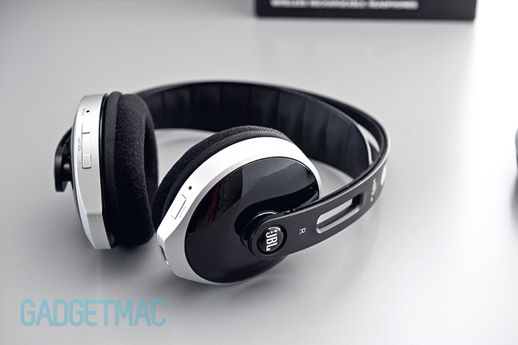 jbl_wr_2_4_wireless_headphones_side.jpg