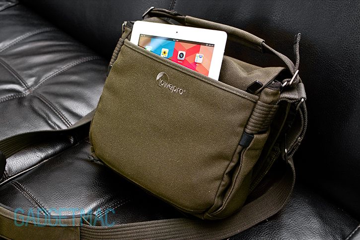 lowepro_pro_messenger_aw_ipad.jpg