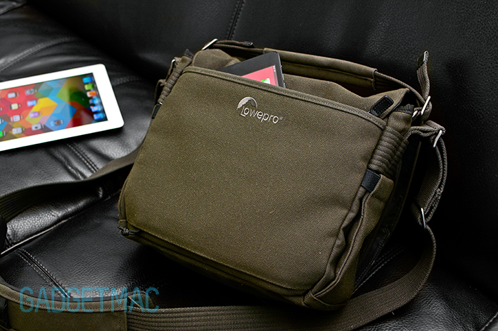 lowepro_pro_messenger_aw_ipad_mini_pocket.jpg