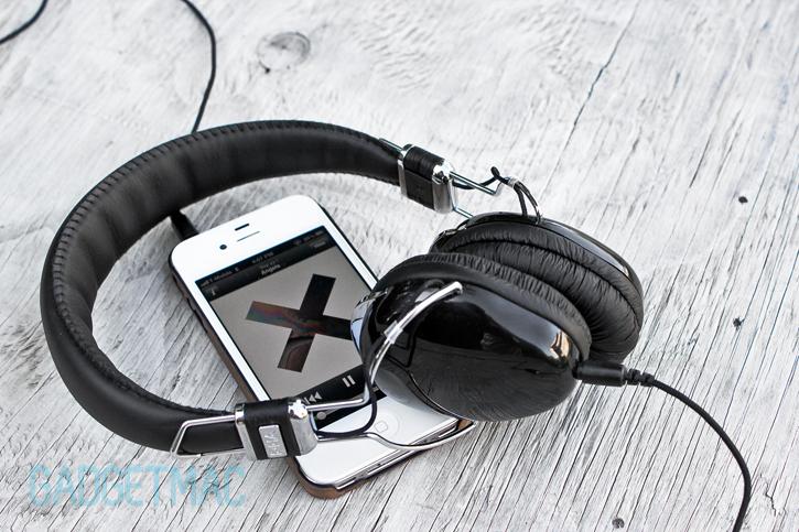 rha_sa950i_on_ear_headphones_iphone.jpg