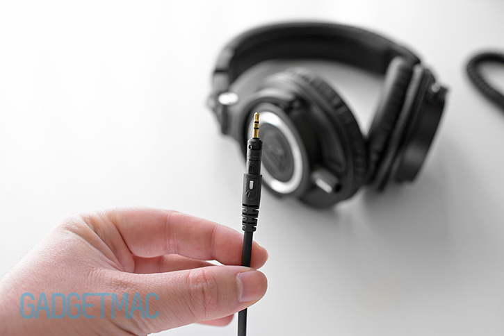 audio-technica-m50x-headphones-detachable-cable-locking-plug.jpg