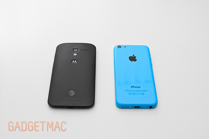 apple_iphone_5c_blue_vs_motorola_moto_x.jpg