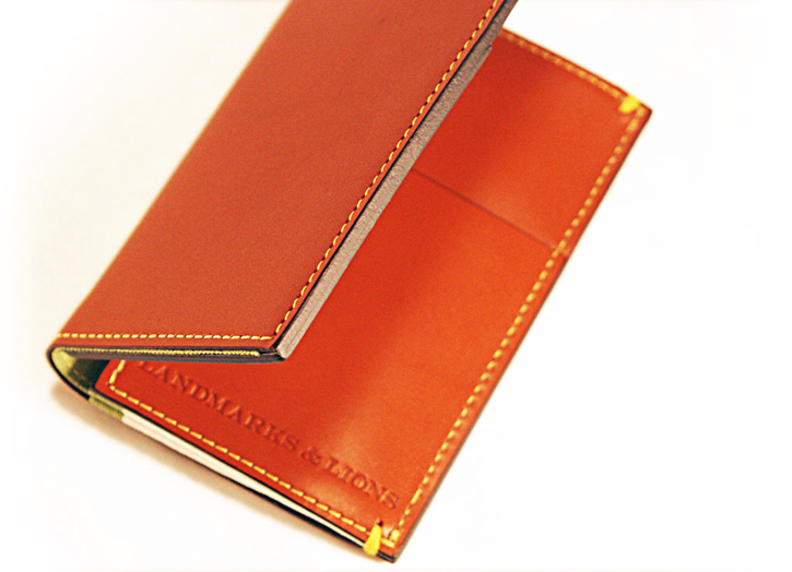 landmarks_lions_leather_iphone_4s_wallet_guide.jpg