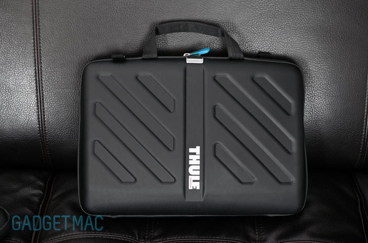 thule_attache_macbook_pro_water_resistant_case.jpg