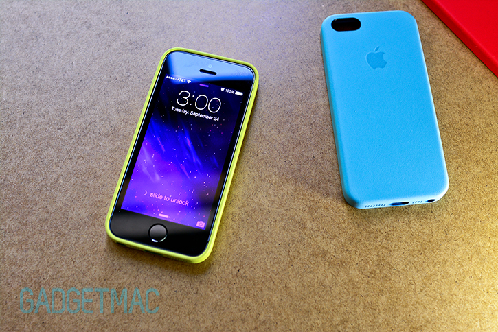 apple_official_iphone_5s_leather_case_yellow_green.jpg