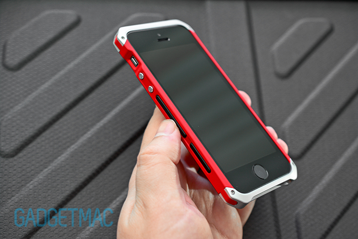 element_case_solace_iphone_5s_case_side_grips.jpg