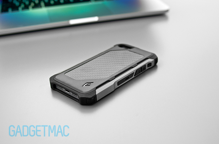 element_case_rogue_al_iphone_5s_case_carbon_fiber_thickness.jpg