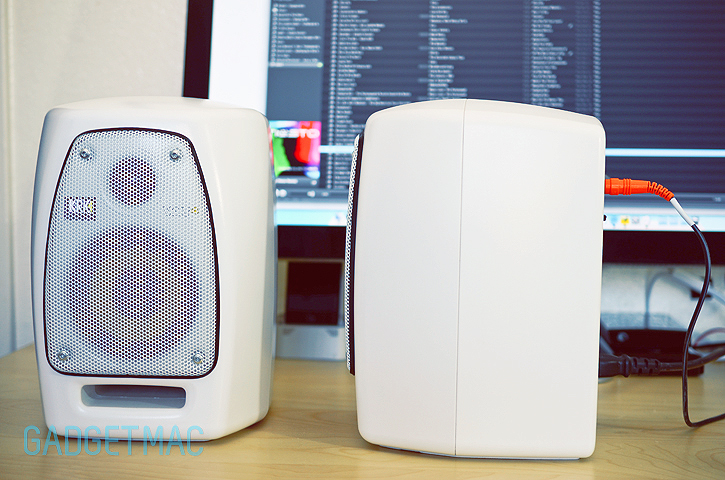 krk_vxt_4_monitors_white_side.jpg