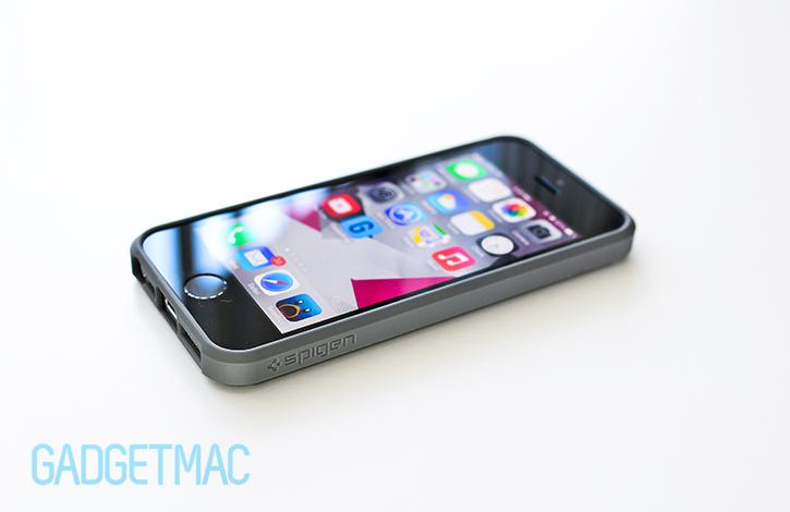 spigen_ultra_hybrid_iphone_5s_case_back_space_gray_bumper_edge.jpg