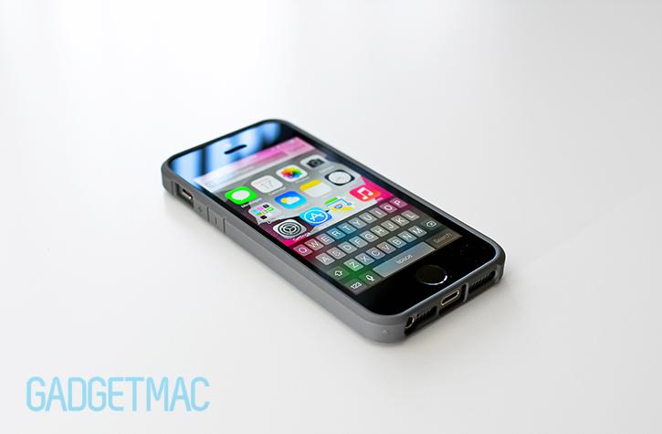spigen_ultra_hybrid_iphone_5s_case_back_space_gray_bumper_top.jpg