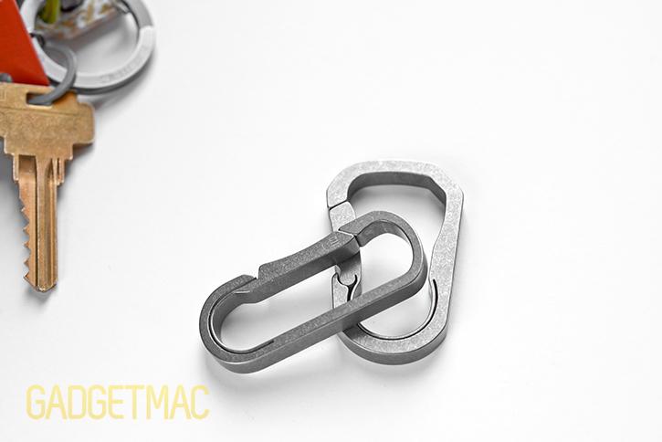 masdesign_bauhaus_titanium_keychain_carabiner_sizes.jpg