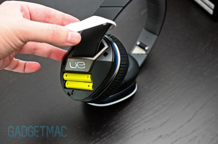 logitech_ue_6000_headphones_batteries.jpg