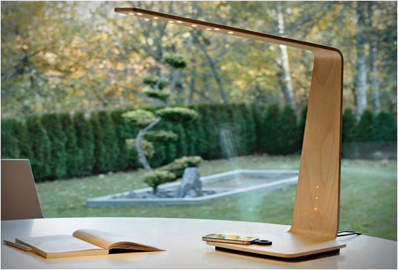 Tunto Led 8 Powerkiss Desk Lamp Can Wirelessly Charge Your
