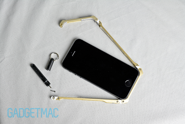 element_case_sector_5_au_aluminum_iphone_5s_bumper_case_installation.jpg
