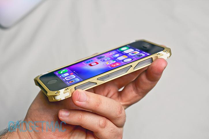 element_case_sector_5_au_aluminum_iphone_5s_bumper_case_side_rail_grip_detail.jpg