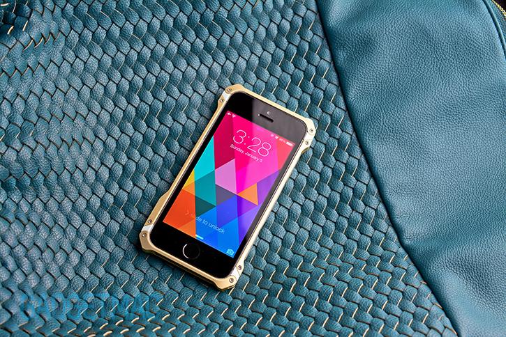 element_case_sector_5_au_gold_aluminum_iphone_5s_case_front.jpg