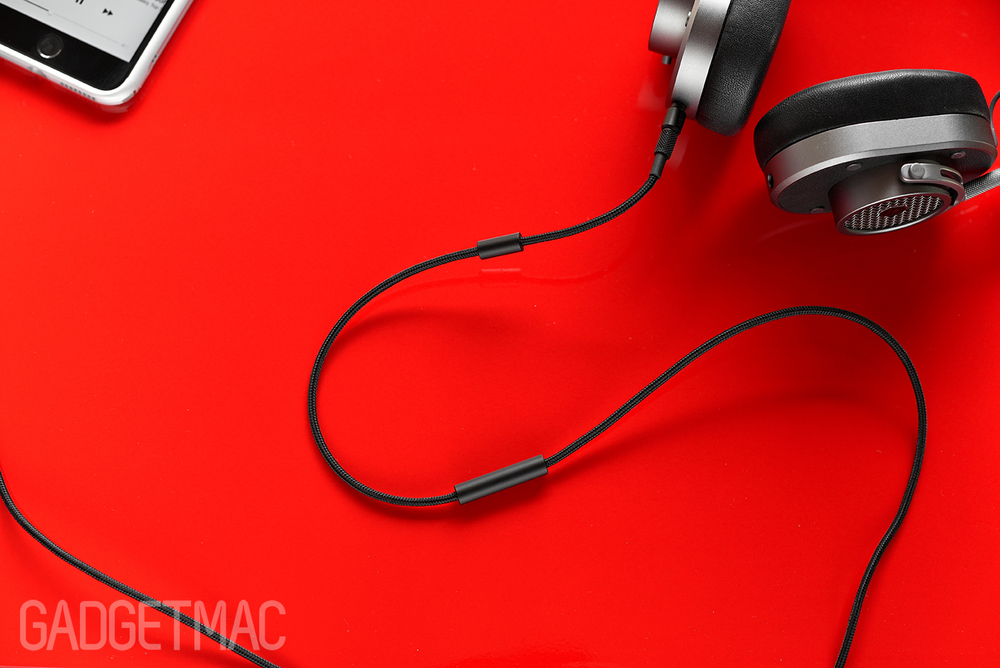 master_dynamic_mh40_headphones_remote_and_mic.jpg