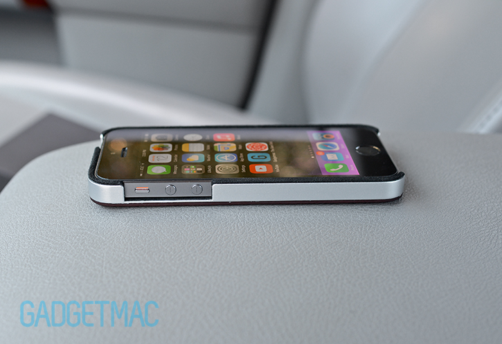 calypsocrystal_calypsocase_cabrio_case_aluminum_iphone_5s_side_buttons.jpg