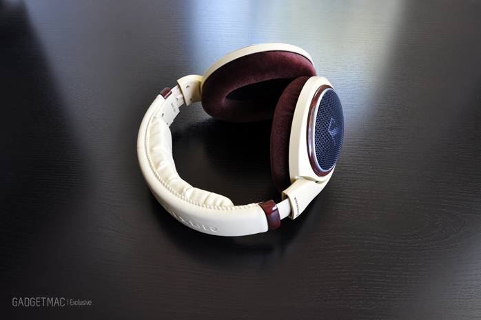 Sennheiser HD 598 headphones back.jpg