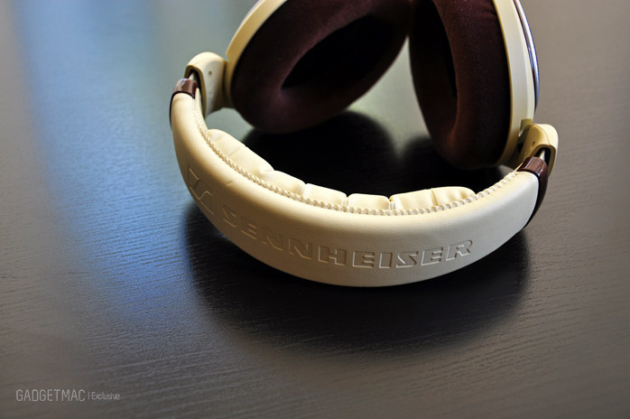 Sennheiser HD 598 headphones headband.jpg