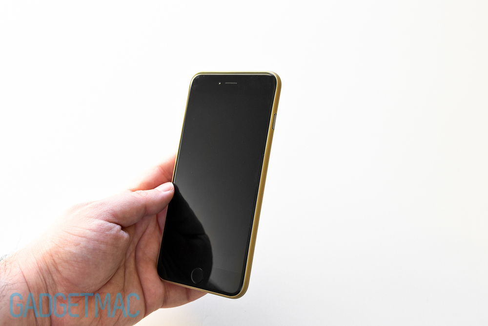 shumuri-slim-extra-iphone-6-plus-case-gold-on-space-gray.jpg