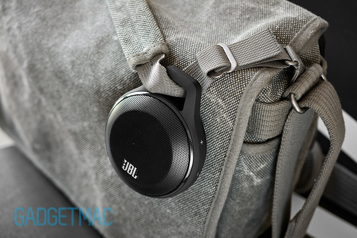 jbl_clip_portable_wireless_speaker_built_in_carabiner.jpg