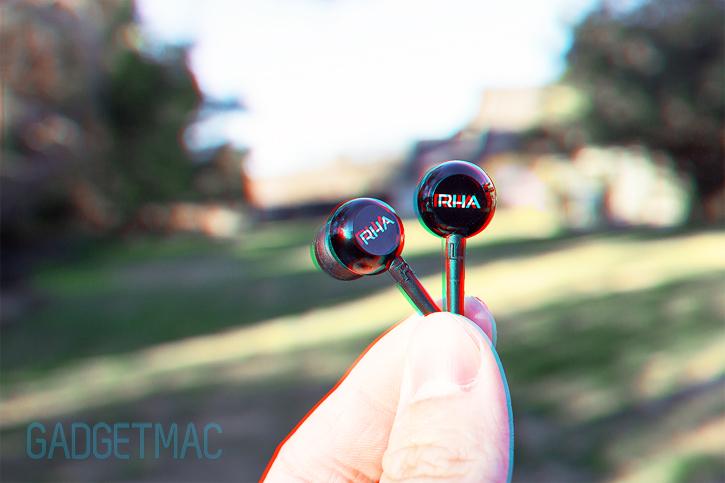 rha_ma450i_in_ears.jpg