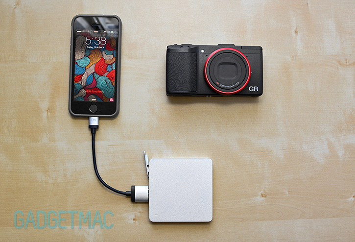 calibre_ultra_go_mini_aluminum_vibrating_external_backup_battery_pack_iphone_5s.jpg