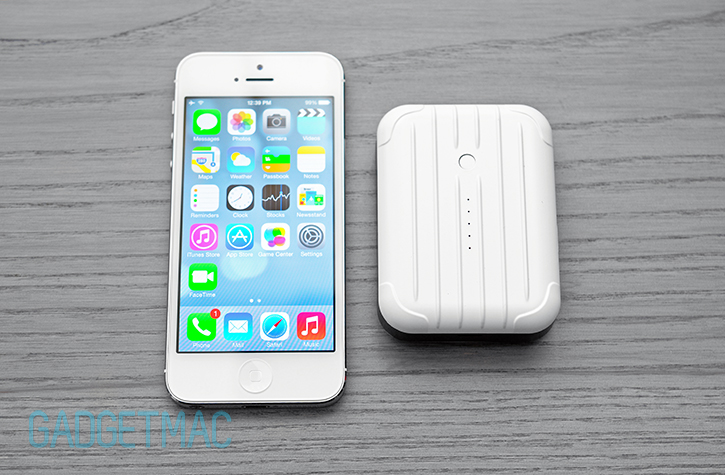 just_mobile_gum_plus_plus_backup_portable_battery_charger_iphone_5_5s.jpg