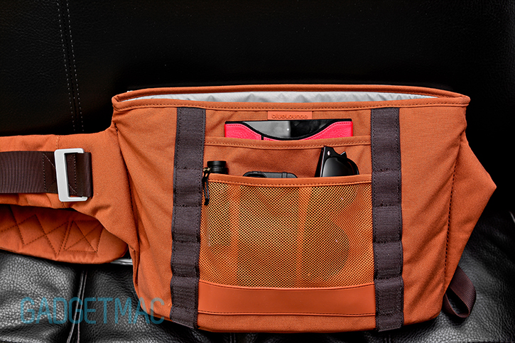 bluelounge_messenger_bag_front_pockets.jpg