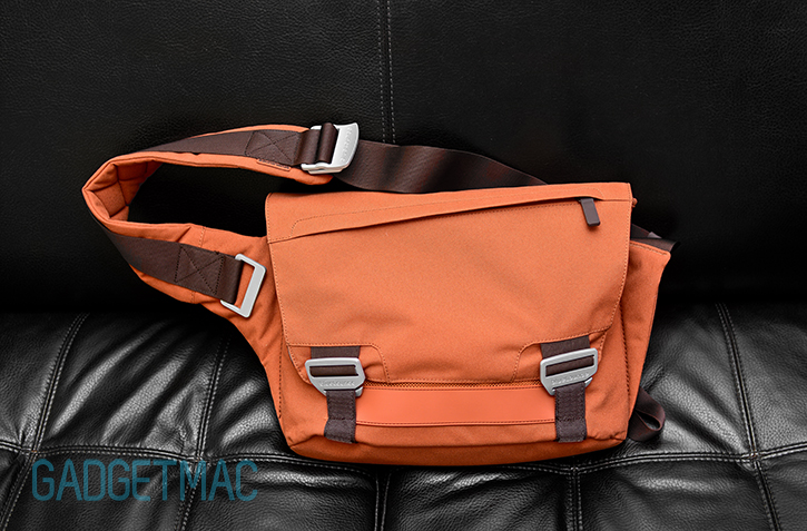 bluelounge_messenger_bag_rust.jpg