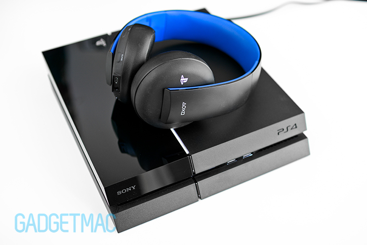 sony-gold-wireless-stereo-playstation-3-4-headset.jpg