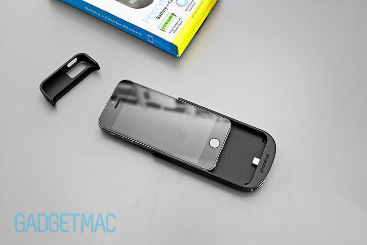 phonesuit_elite_iphone_5_s_battery_case_installation.jpg