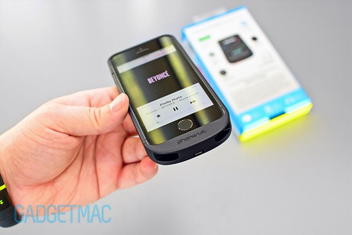 phonesuit_elite_5_iphone_5s_battery_case_audio_1.jpg