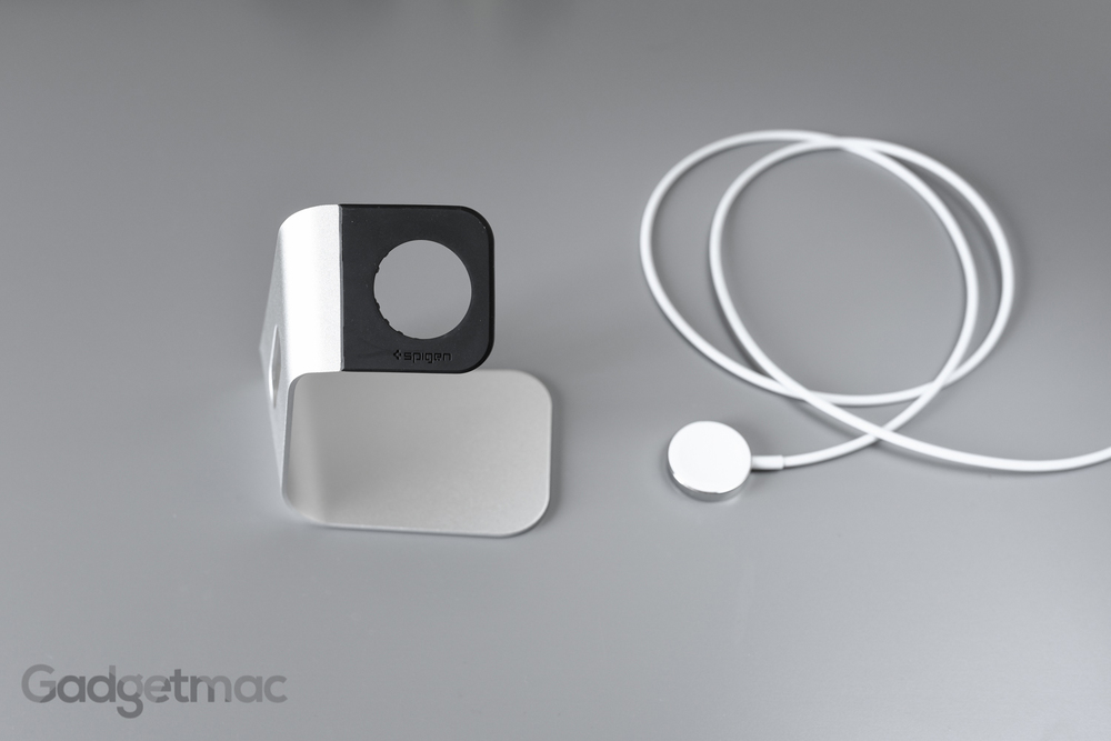 spigen-s330-apple-watch-stand-dock-metal-magnetic-charger.jpg