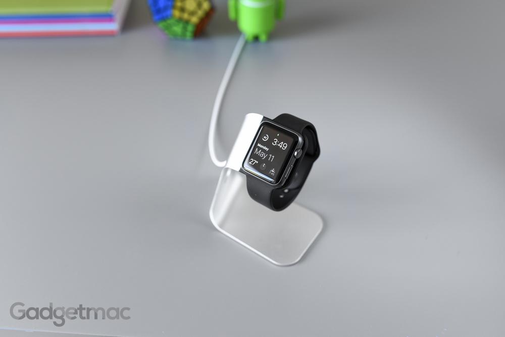 spigen-s330-apple-watch-stand-dock.jpg