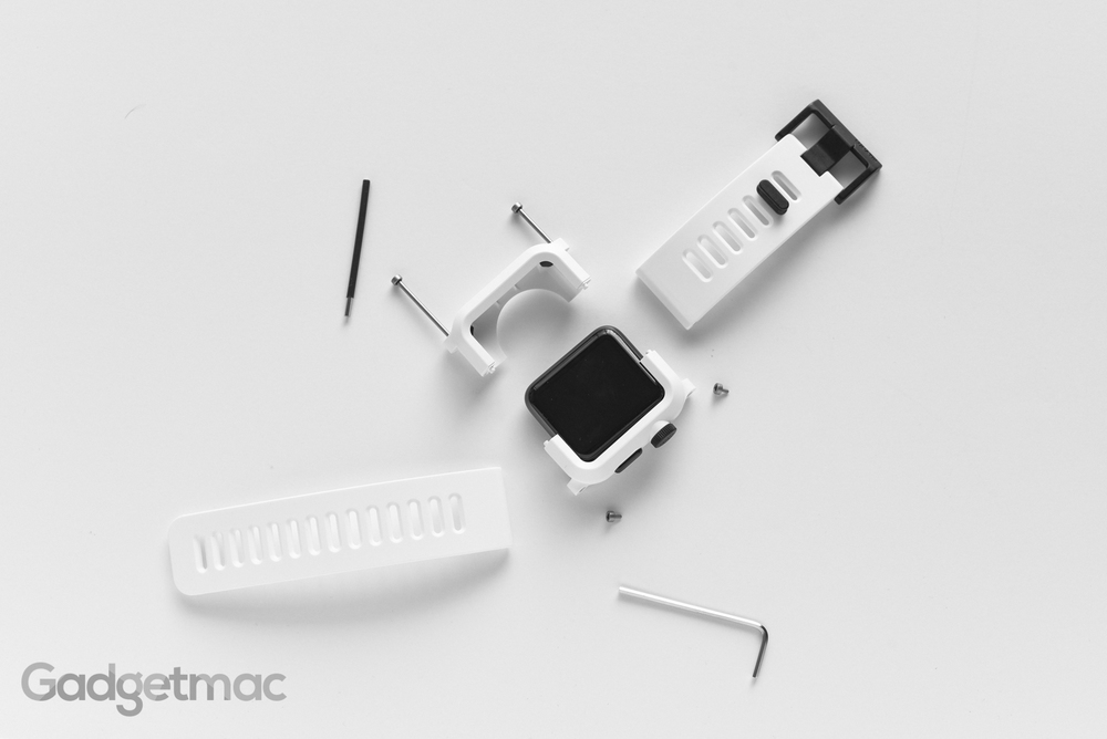 lunatik_epik_case_and_strap_for_apple_watch_assembly.jpg
