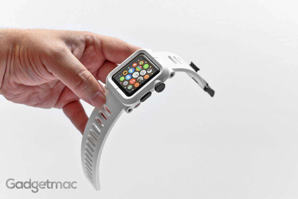 lunatik_epik_polycarbonate_white_apple_watch_case_with_band.jpg