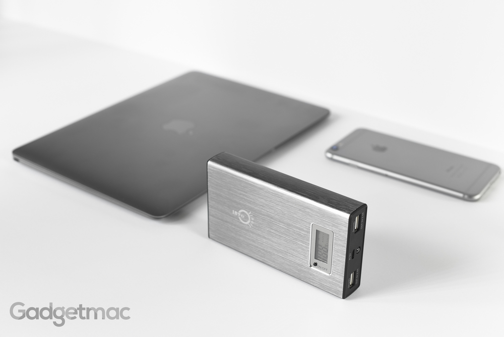 space_gray_external_portable_backup_battery_aluminum_15000mah_2.jpg