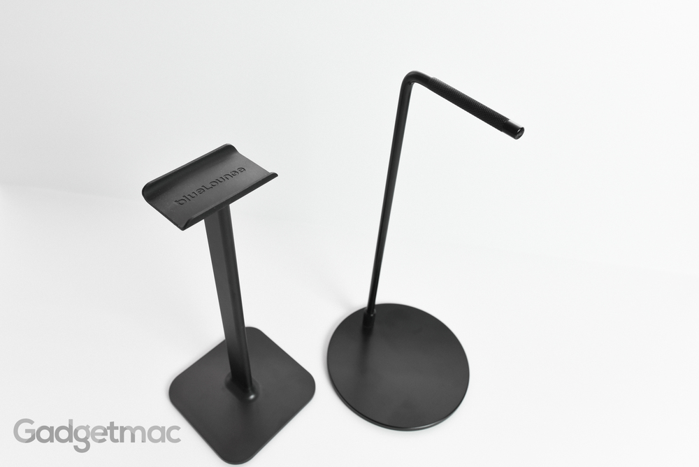 bluelounge_posto_headphone_stand_vs_master_dynamic_metal_stand.jpg